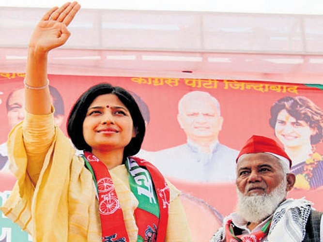 Dimple attacks BJP over LPG price issue