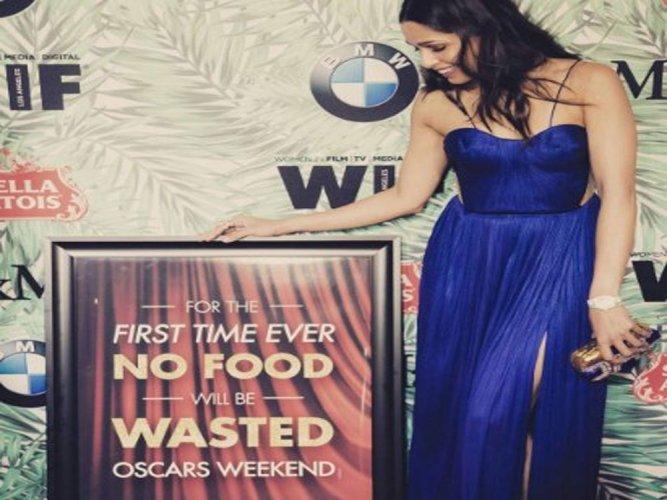 Freida helps feeding over 800 people with Oscars leftover food