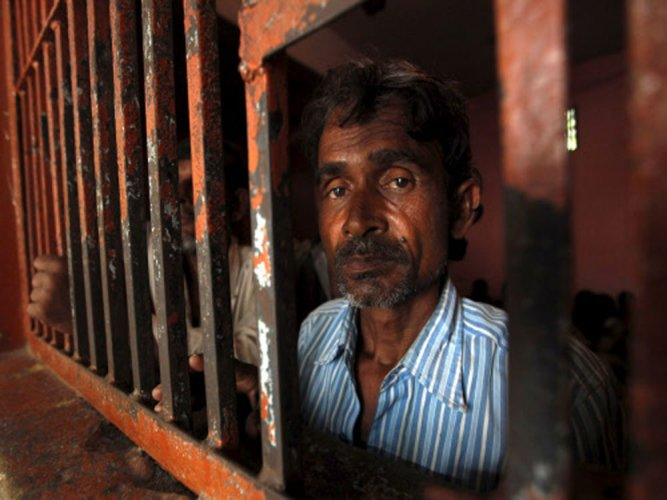 8 more TN fishermen held by Lanka; one attempts suicide
