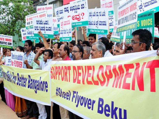 Citizens demand alternative plan to decongest road