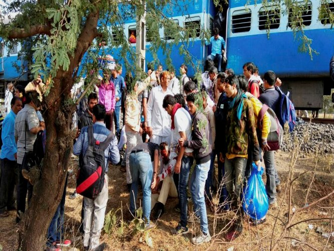 8 injured in blast in Bhopal-Ujjain passenger train