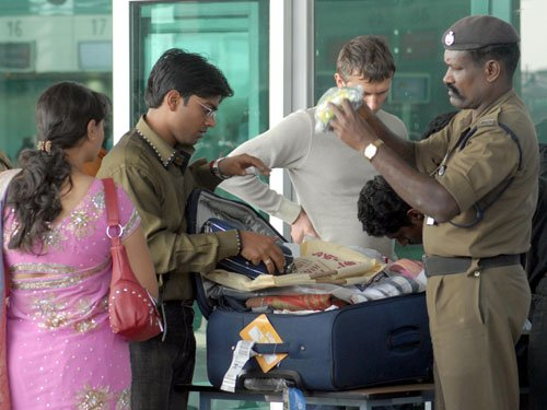 Major airports to do away with hand baggage stamping
