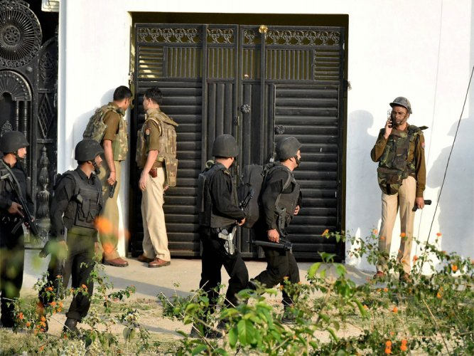 Suspected IS terrorist killed in Lucknow operation