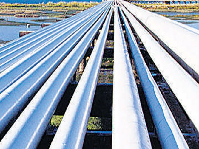 GDF International to sell 10% stake in Petronet LNG