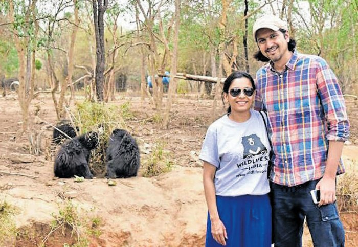 Ricky Kej visits  bear rescue centre