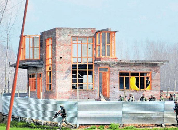 2 LeT militants, 2 civilians killed in Pulwama encounter