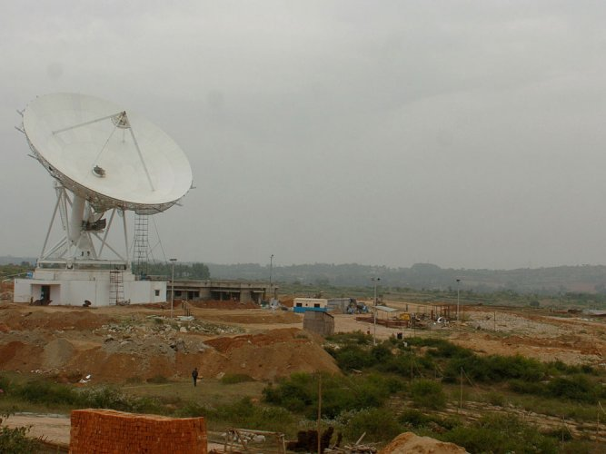 Mysterious signals may point to alien technology: study