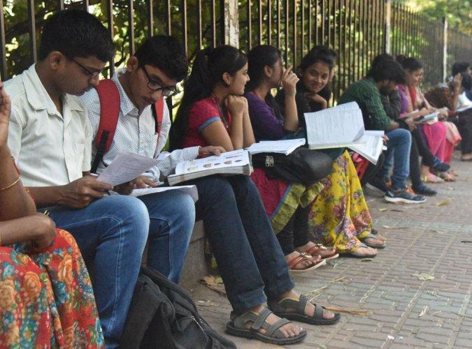 II PU exams: Electronics, CS papers 'a cakewalk'