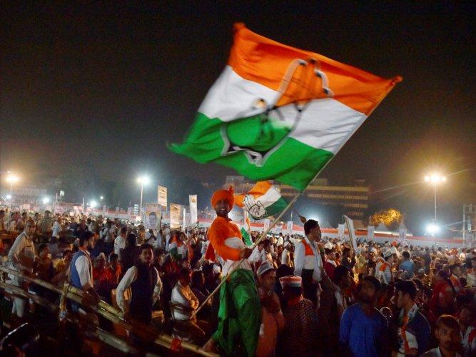 Congress 3 short of majority