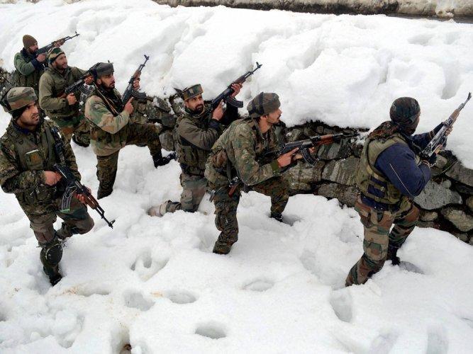 Pak troops violate ceasefire in Poonch, fire mortars