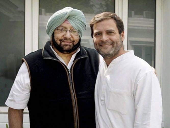 Amarinder meets Rahul on govt formation,favours RG's elevation