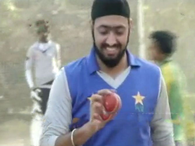 Shikh cricketer Mahinder plays in domestic league in rare feat