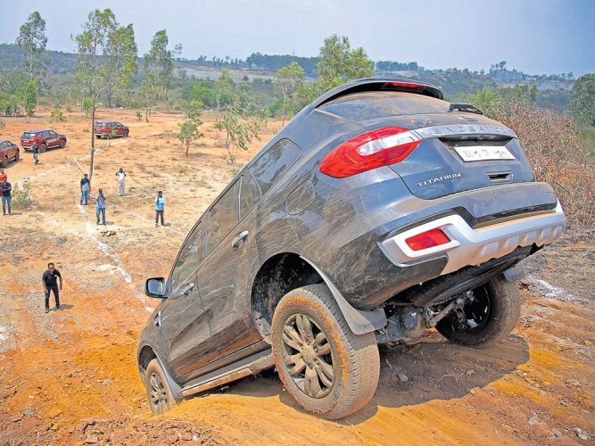 Ford Endeavour: Big beast conquers all topographies