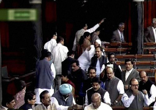 Walkout in LS over govt formation bid