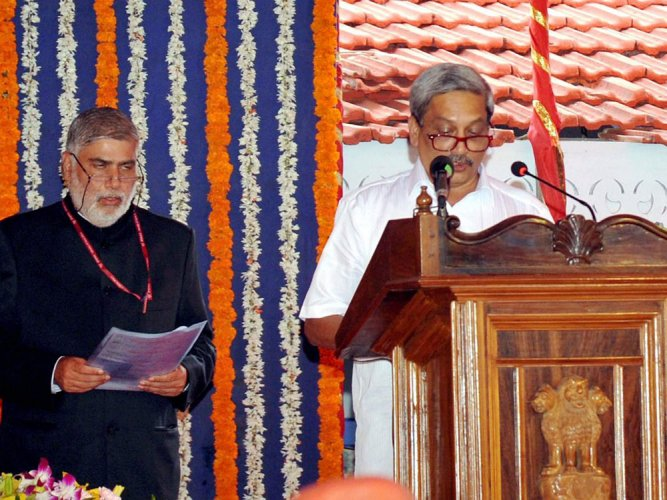 SC refuses to stay Parrikar swearing-in