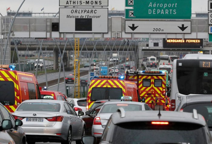 Man shot dead at Paris Orly airport after taking soldier's gun