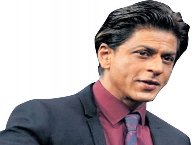 Aamir and I don't discuss work: SRK