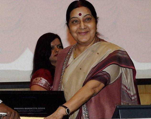 Sushma speaks to Sartaj Aziz on clerics