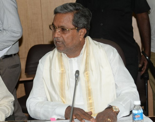 Centre using I-T dept to target Cong ministers: CM