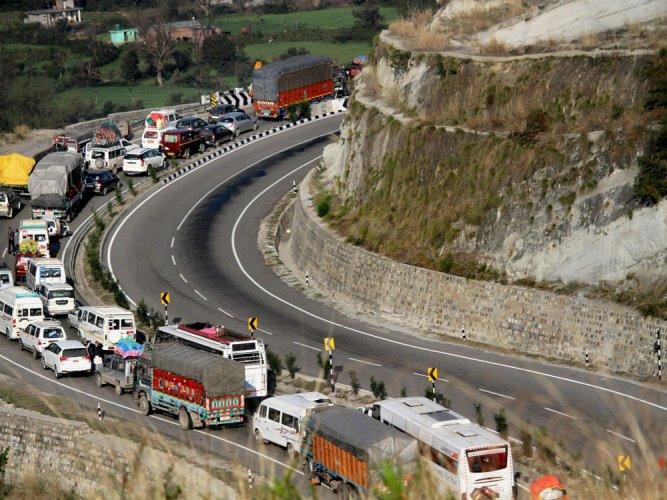 Jammu-Srinagar national highway to open soon