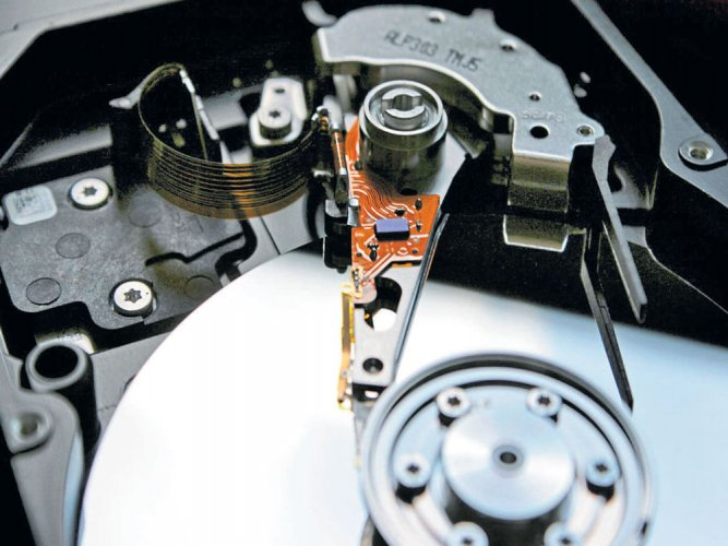 Magnetic hard drives go atomic