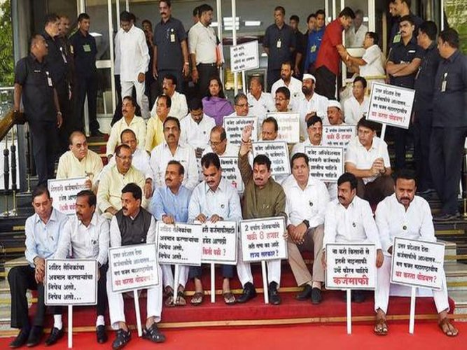 19 Oppn MLAs suspended from Maha Assembly