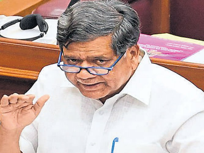 Shettar tries to move privilege motion against CM for 'misleading' House