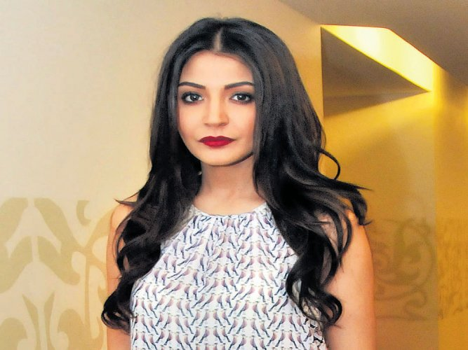 My character in Sanjay Dutt biopic fictional: Anushka