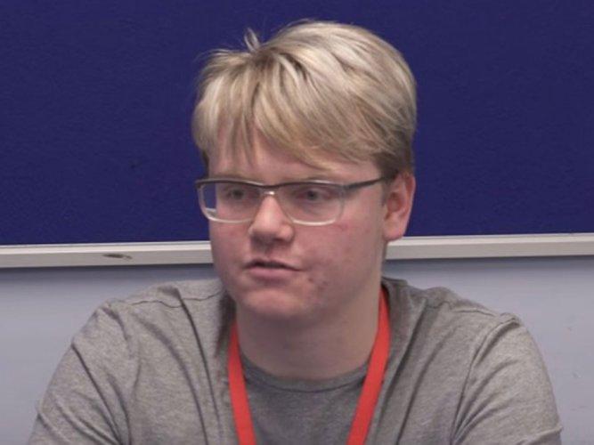 'British teen corrects NASA data error'
