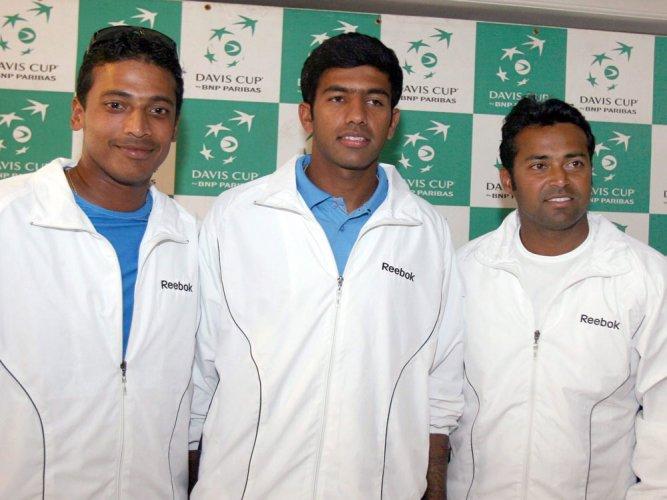 Bhupathi picks four singles players; Paes, Bopanna reserves