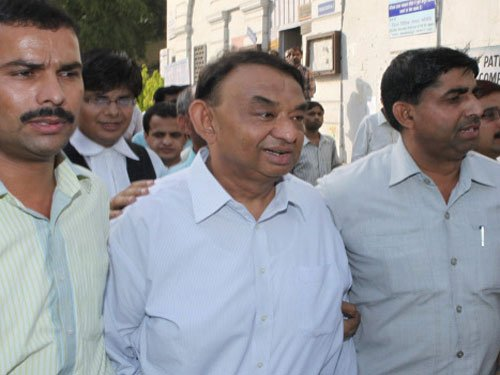 MCI obtains stay against disclosure of info on Desai