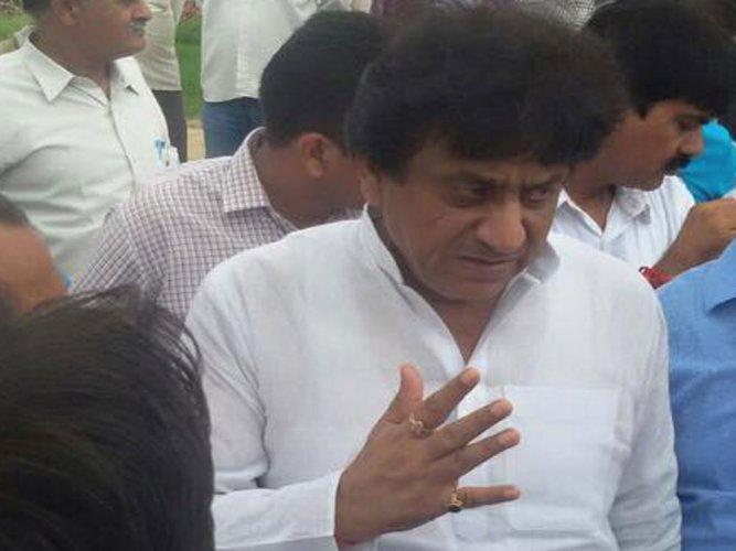 Meerut Mayor bars 7 corporators for defying Vande Mataram order