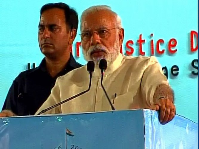 Govt to help judiciary to reduce pendency of cases: PM