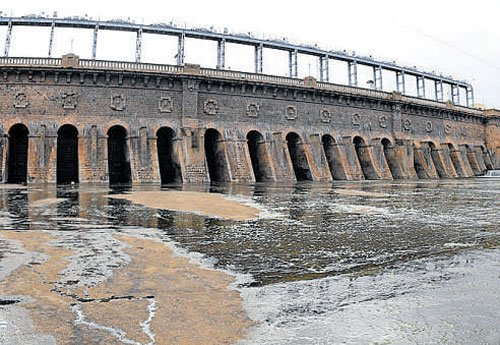 Water levels in southern state reservoirs dip