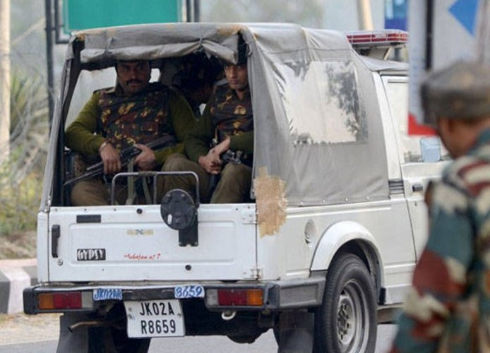 CRPF jawan killed, 5 hurt in militant attack; two civilians injured