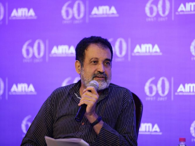 Pai backs Murthy; says Rao's pay spectacular, not performance
