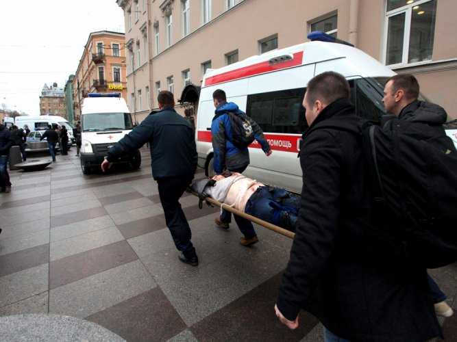 'About 10' dead in Saint Petersburg metro blast