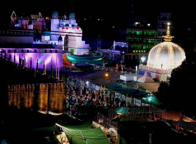 Ajmer dargah dewan asks Muslims to give up beef