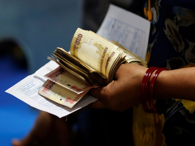 61-yr-old woman held with banned notes worth Rs 26 lakh