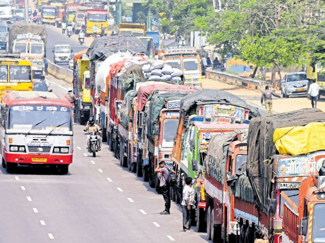 Taxis and maxicabs to join  truckers' strike in state
