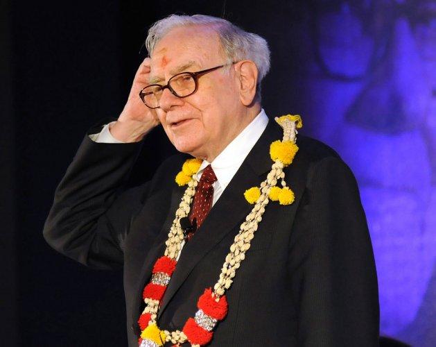 Billionaire Warren Buffett becomes face of Coke in China