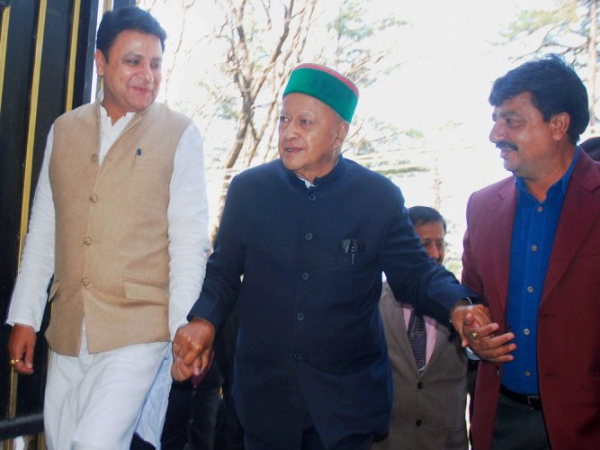 Virbhadra moves SC against dismissal of plea in HC in DA case