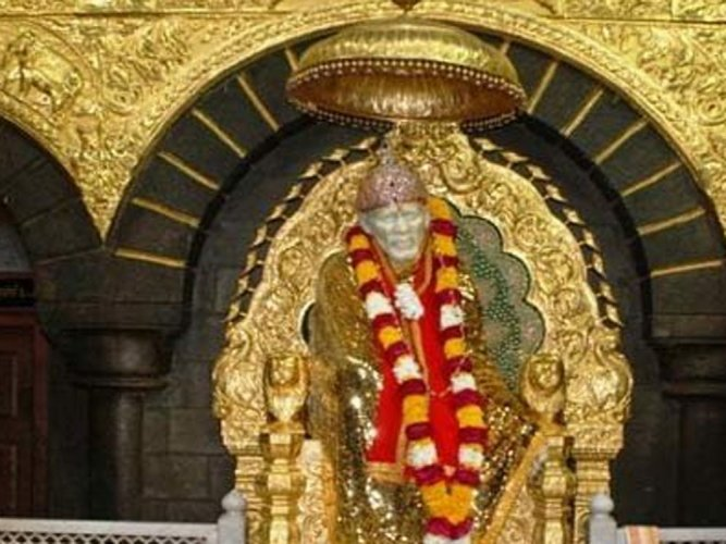 Shirdi shrine receives gold and silver articles worth Rs 4 cr