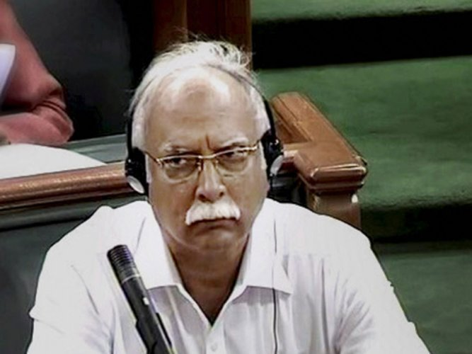 Sena MPs charge towards minister