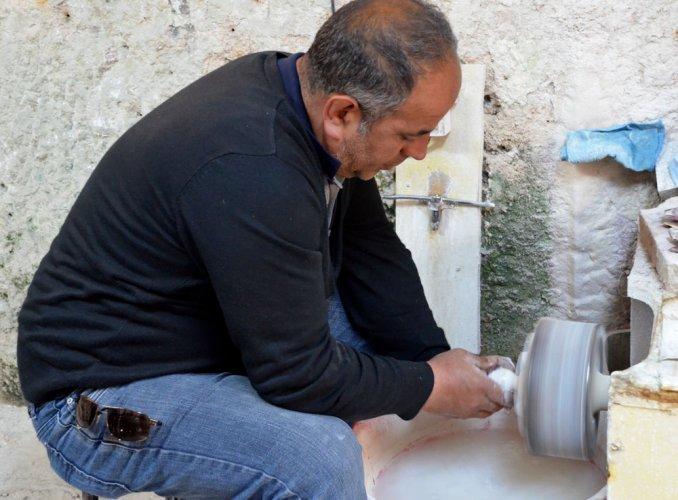 In Turkey, seeking onyx curios