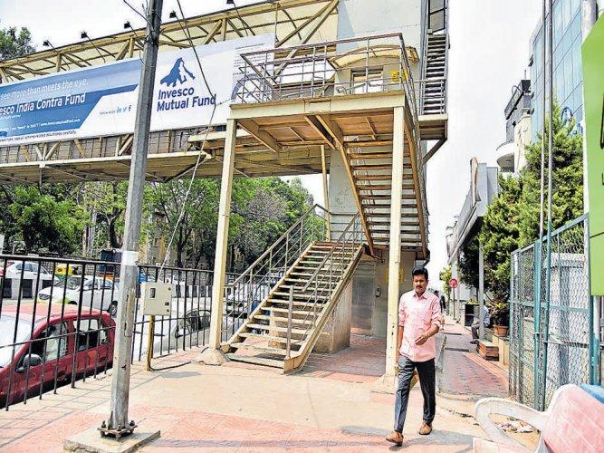 Residents prefer better footpaths over fancy skywalks
