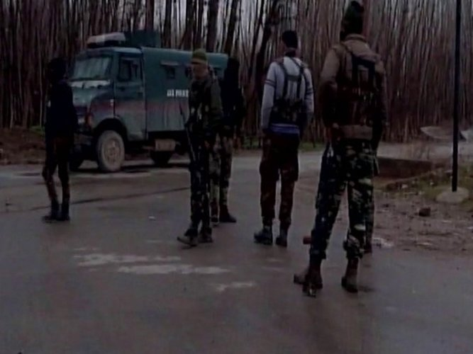 Militants attack police station in Kulgam dist of J&K