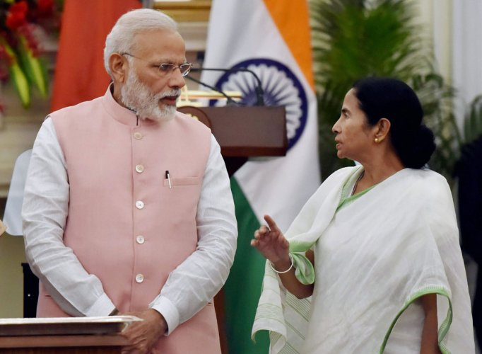 Mamata meets PM, seeks early release of central funds