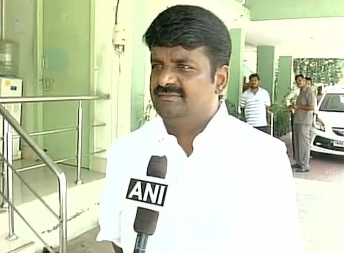 IT sleuths grills TN health minister and actor Sarath Kumar