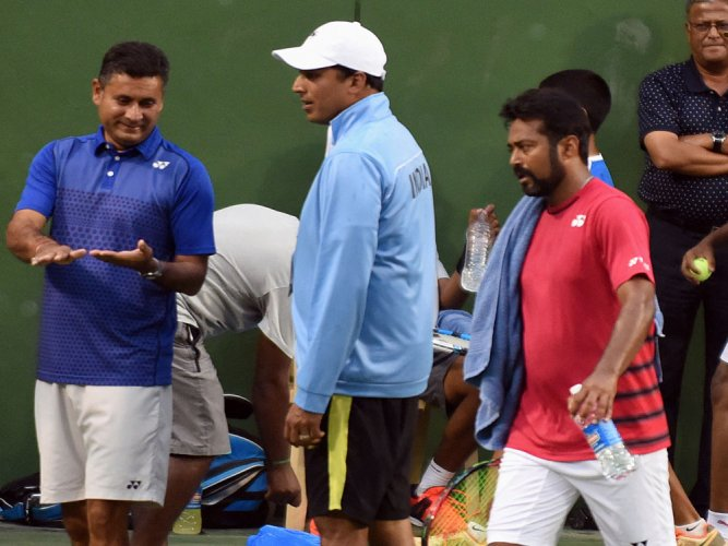Bhupathi should've shown more respect to Paes, says AITA